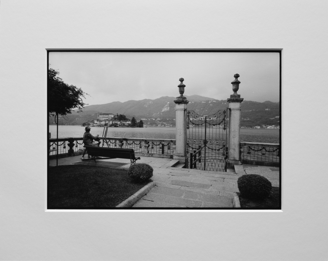 Orta San Giulio - Ilford Fp4 - Stampa su carta baritata ai sali d'argento - Passpartout Classic Rag 24 x 30 cm 100% Cotone