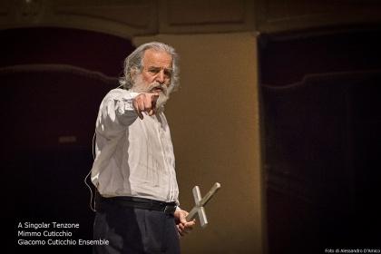 A Singolar Tenzone, Mimmo Cuticchio e Giacomo Cuticchio Ensemble. Teatro Politeama, Palermo.
